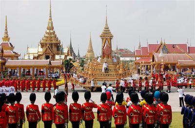 -thailand-funeral-nj-05_photoblog900