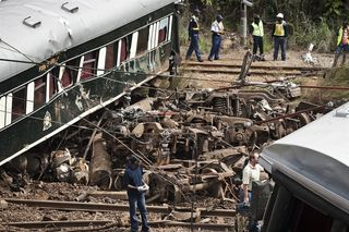-The famous luxury luxury Rovos Rail Train recently derailed in South Africa ...