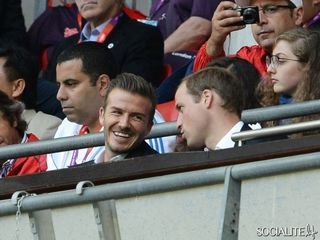 Prince-william-david-beckham-olympics-soccer-07302012-07-580x435