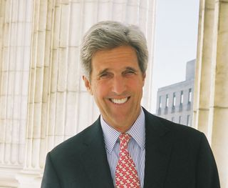 John-Kerry-US-Senator-promotional-photograph-columns-crop_jpg