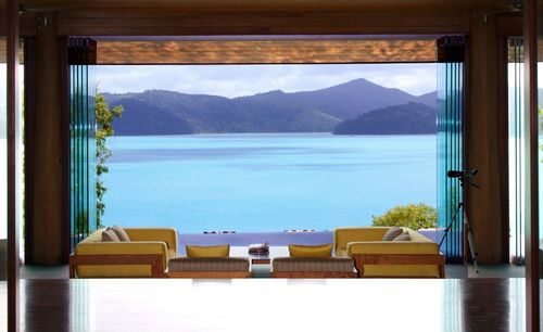 The-beach-house-at-qualia-has-panoramic-views-of-the-coral-sea-and-whitsunday-islands-as-well-as-dining-seating-for-10-and-an-entertainment-area