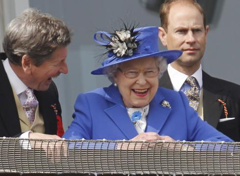 A-day-at-the-races-opens-the-Queens-Jubilee-0P1JIFU2-x-large