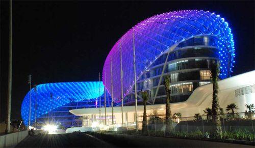 Yas_hotel_abu_dhabi_a291009_2