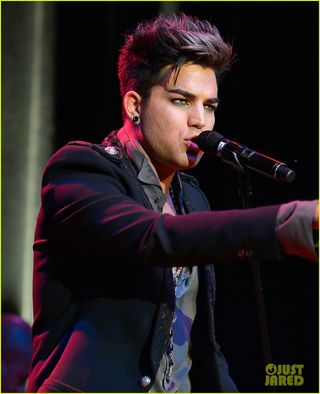 Adam-lambert-live-in-the-vineyard-performance-05
