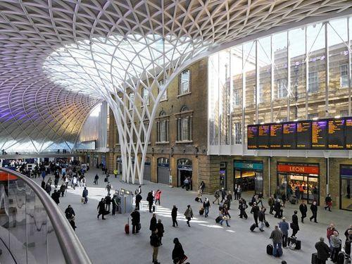 Item0_rendition_slideshowWideHorizontal_kings-cross-station-london-justin-kase-alamy