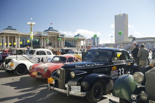 Five-days-in-the-cars-stopped-in-ulaan-baatar-mongolias-largest-city-for-a-rest-day