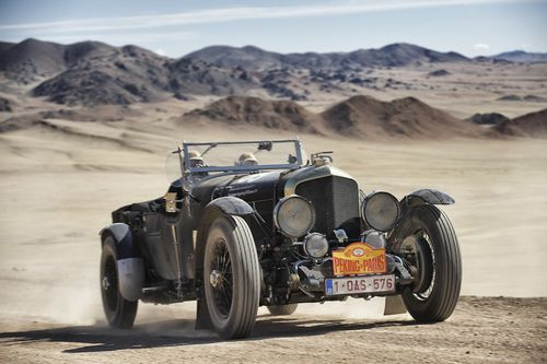 A-1950-bentley-mkv1-special-seemed-to-handle-the-sand-just-fine