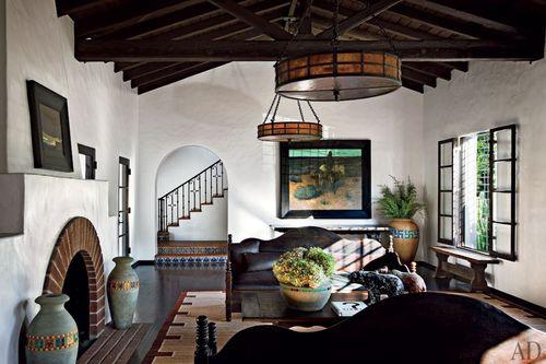 Item7_rendition_slideshowWideHorizontal_celebrity-living-rooms-08-diane-keaton