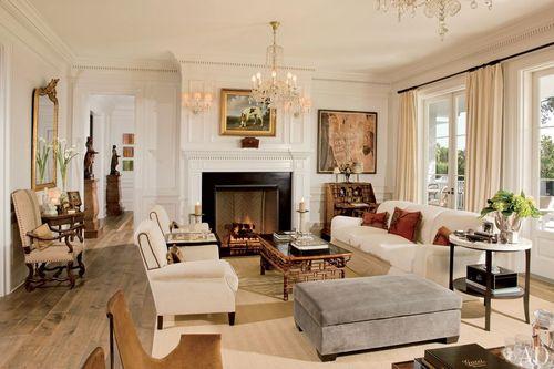 Item11_rendition_slideshowWideHorizontal_celebrity-living-rooms-12-rob-lowe