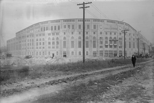 Yankee-stadium-bronx-new-york-yankees-1913