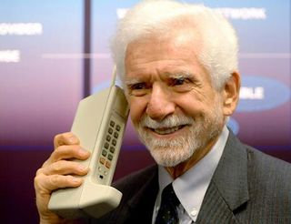 Martin-cooper-inventor-of-worlds-first-mobile-phone