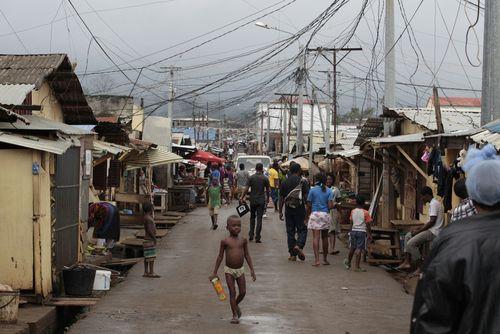 2011_EquatorialGuinea_street