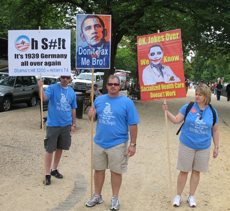 Tea-party-racist-signs-01