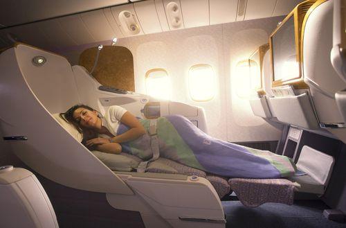 Emirates-Boeing-777-300ER-Business-Class-Lie-Flat-Seat-33
