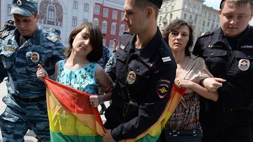Gay-ban-2_si