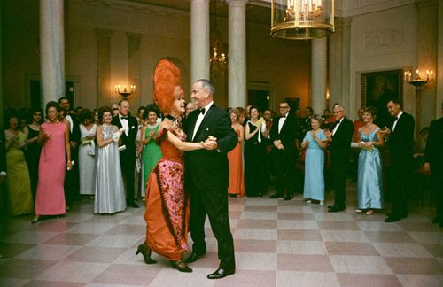 12-TCX-lyndon-johnson-dances-at-white-house-party-0113-mv