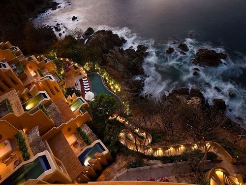 Item18_rendition_slideshowWideHorizontal_85-capella-ixtapa