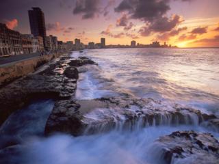 The-Malecon-Havana-Cuba-Wallpaper