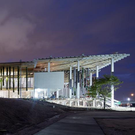 Perez-Art-Museum-Miami-by-Herzog-de-Meuron-17-sq
