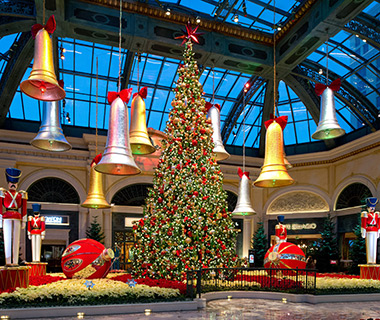 201312-w-best-hotels-for-christmas-bellagio-resort-and-casino