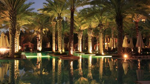 One-and-only-royal-mirage-main-pool-at-night-717