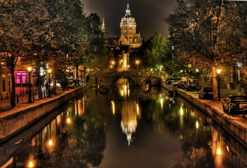 Amsterdam-In-Night-Wallpaper-1200x817